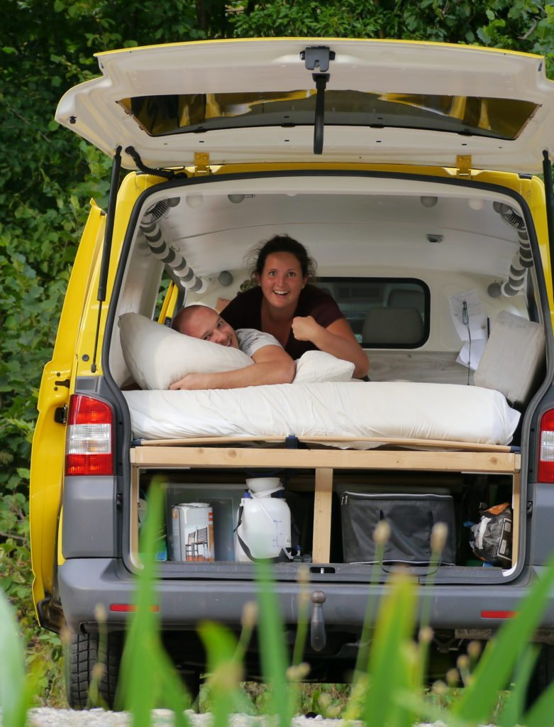 VW T5 Camper Ausbau einfaches Bus Bett Bettrahmen Bettgestell