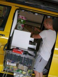 Einkaufen gehen mit dem VW T5 Camper Ausbau