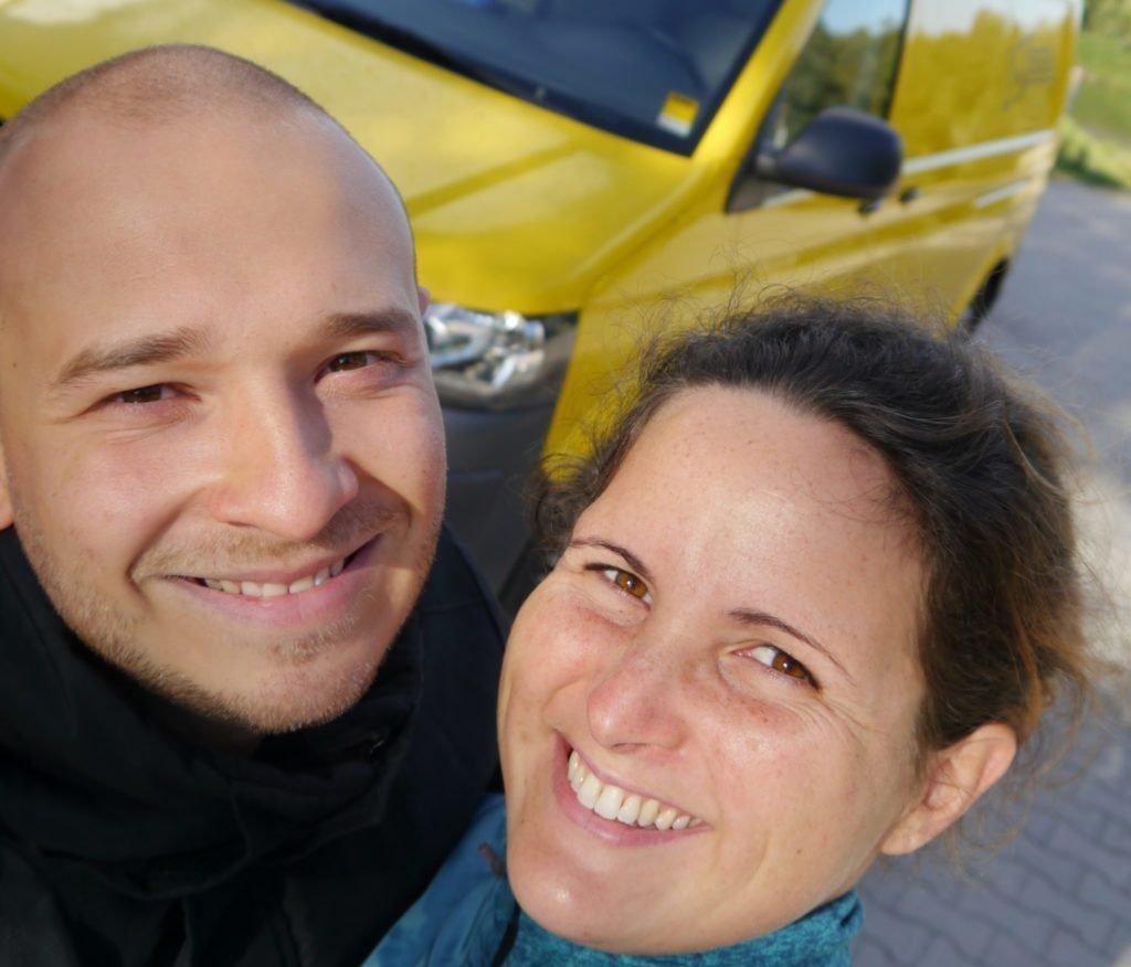 Wir leben im Wohnmobil ohne festen wohnsitz und reisen mit dem Wohnmobil durch europa im VW T5 Camper