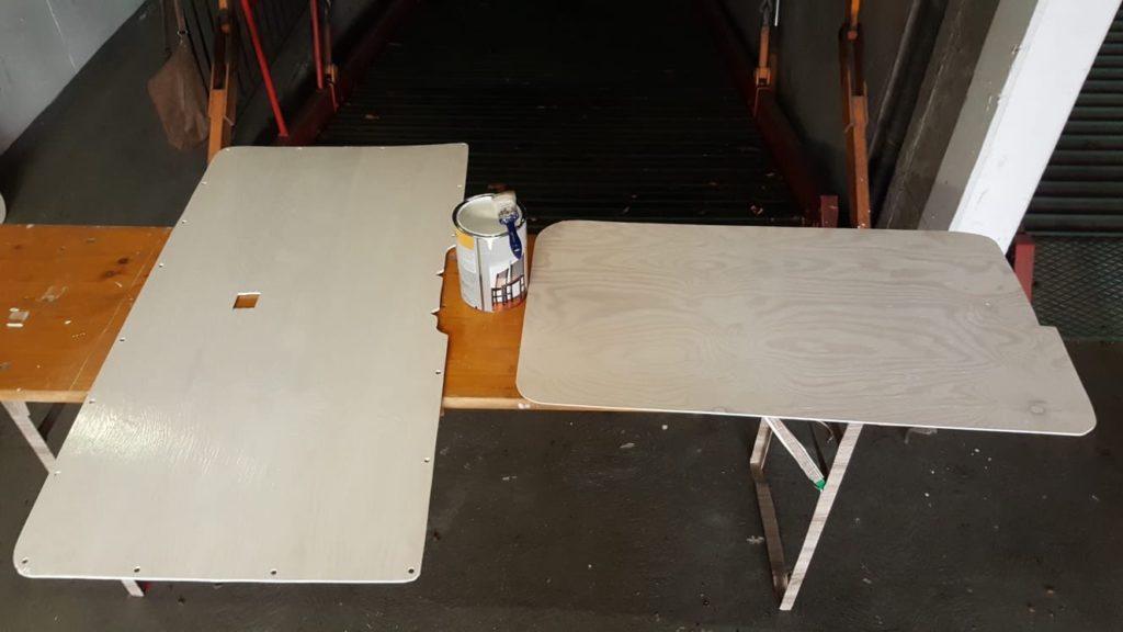 T5 Innenverkleidung Holzlasur Lackieren mit Pinsel Weiß Seekiefer