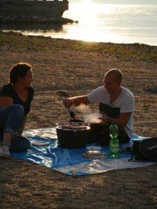 Vanlife couple Vanlife Outdoor zusammen Zeit verbringen